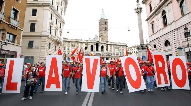 lavoratori-socialmente-utili-italia-lsu-sprechi-640x356