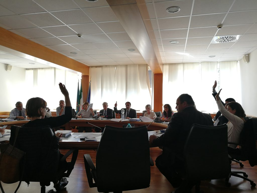 La votazione del Piano sulla ricerca nel corso DELL'VIII Commissione